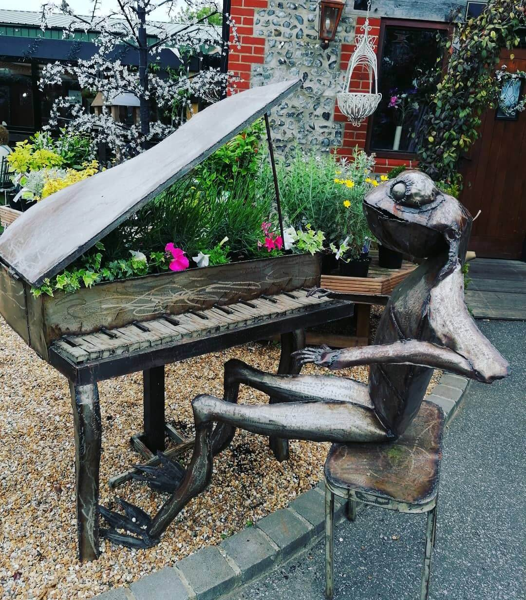 Found a frog playing the piano on bank Holidays travels